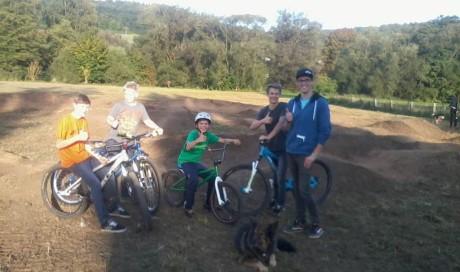 Pumptrack Berching | Uferpromenade 8 | Sportpark Realschule