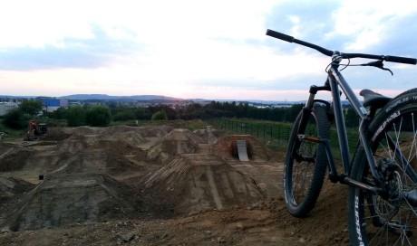 Bikepark Warburg | Slopestyle, Dirtjumps, Flowline, Dirtpark