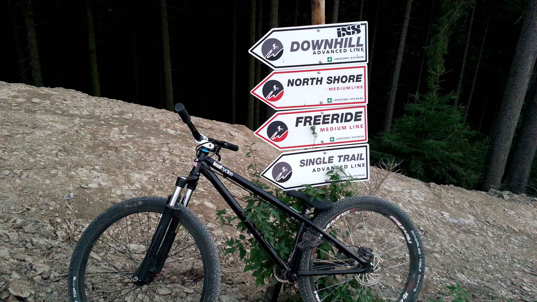 On the road: Kurzbesuch im Bikepark Winterberg, Baustelle Continental Track