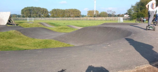 "On the Road: Asphalt Pumptrack Langenfeld ""Orthomol"""