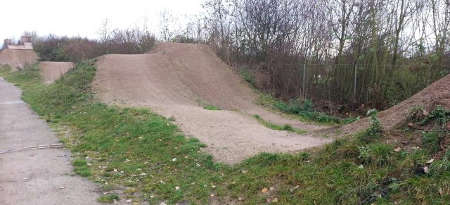 Roadtrip: Dirtpark Kassel / Pumptrack, Dirtjumps – Double & Table Line, Kids Pumptrack