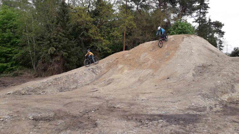 Dirtpark Gymnasium Neuenkirchen Pumptrack Schule Mountainbike Ag 34